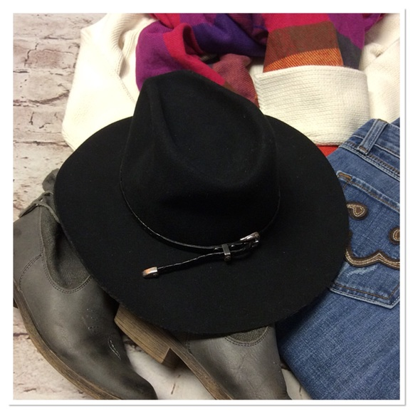 e6e0f514a8f WRANGLER RIATA CASINO WESTERN HAT. M 5a2389fe9c6fcf49f3069892. Other  Accessories you may like