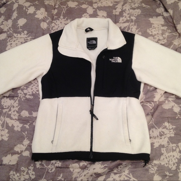 b029c92a3 White & Black North Face Denali Jacket