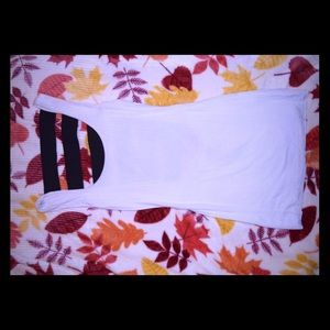 Bailey 44 white tank with black straps in back