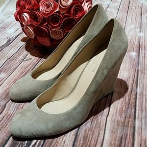 Via Spiga Tan Suede Wedges