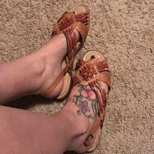 Shoes - Neutral color leather sandals