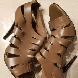 Cathy Jean brown Heels