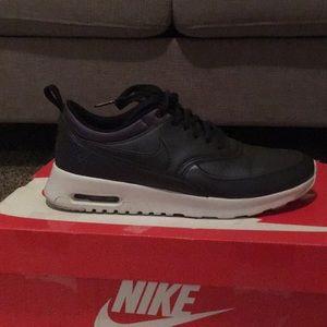 Nike Shoes - Nike Air Max Thea Se