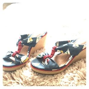 Sperry top spider wedges