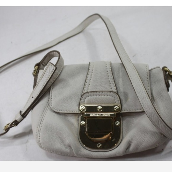 4020d6fc71a747 Michael Kors Bags | Crossbody Bag Style Ap1007 | Poshmark