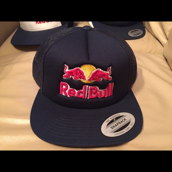 Red Bull athlete only SnapBack hat. M 5a2427922ba50a62d707dfe3.  M 5a2427942599febd7007be9d. M 5a242795ea3f3627cc07d2ef.  M 5a24279756b2d6a1a807c59f 35bc53e4f929