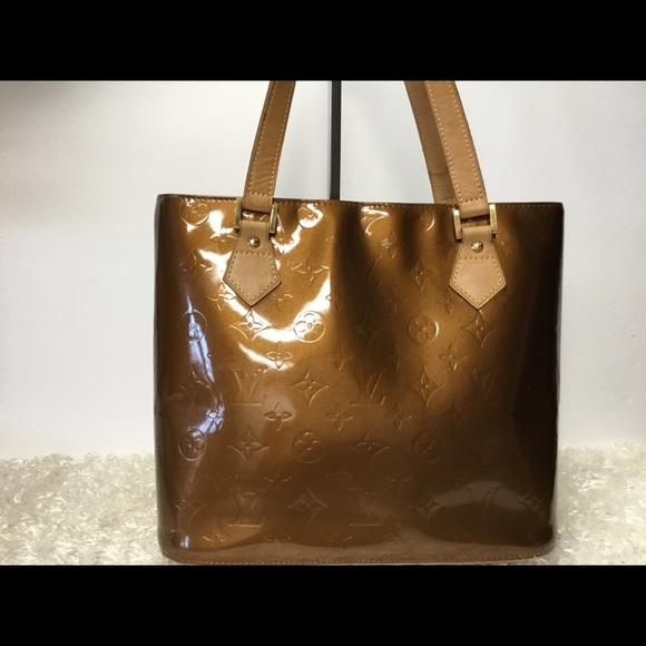 3f716ee4d538 Louis Vuitton Handbags - Authentic Louis Vuitton Vernis Houston Handbag