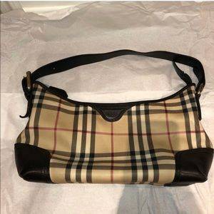 👜 Authentic and Rare Burberry hobo
