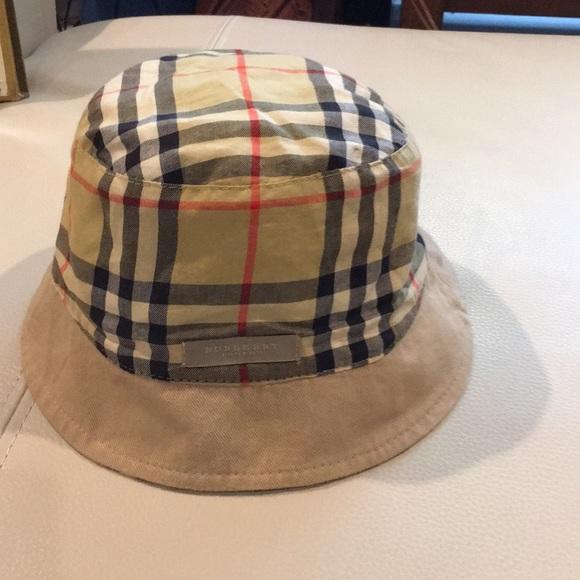Authentic burberry reversible hat 7a4c897807d
