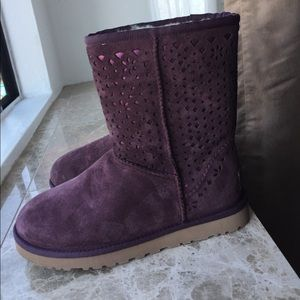 Ugg purple Classic Short flora perforated boots 7