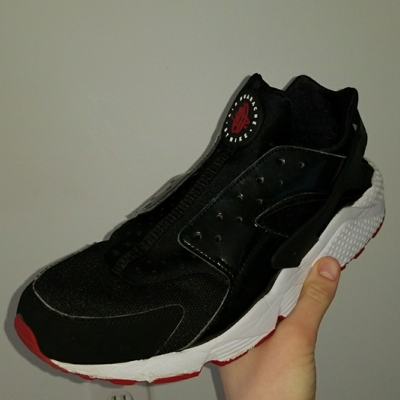 Nike Shoes | Nike Air Huarache Bred