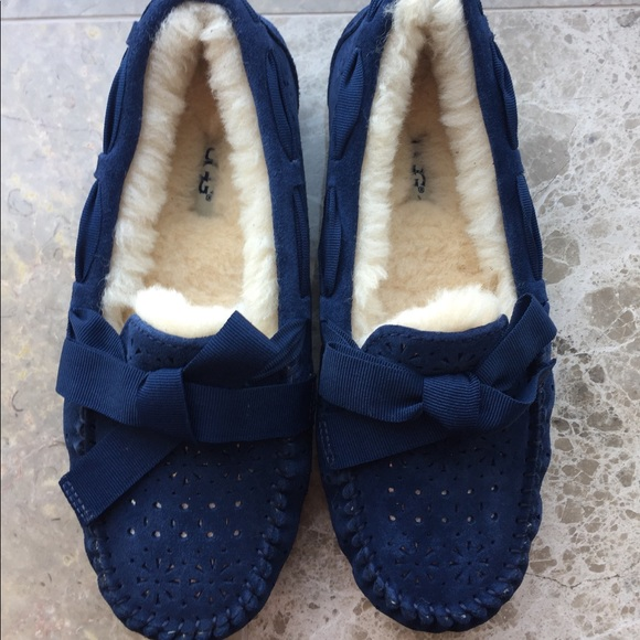 cf0cb9f9c0d Ugg Dakota Sunshine Navy Blue Moccasin Slippers 7