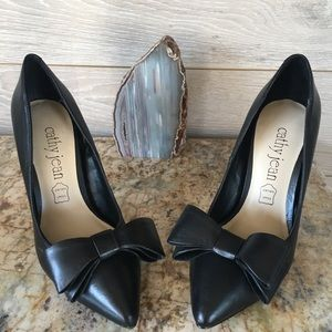 Genuine Leather Cathy Jean Bow detail pumps
