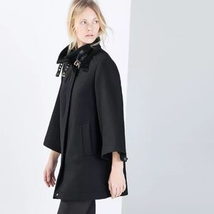 Zara cape coat with buckles Small nwot