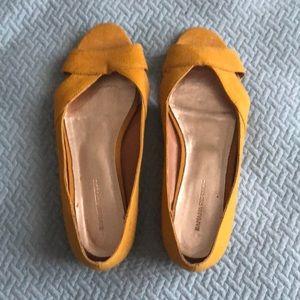 Banana Republic | Mustard Yellow Flat Sandals