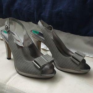 Ann Klein silver sling back heels