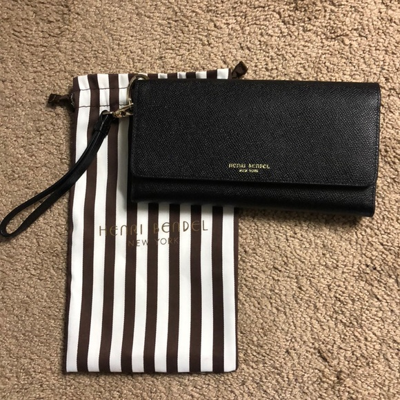 new product 4a339 77c5a Henri Bendel Uptown Wallet
