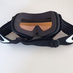 a78ac917bdd8 Oakley Other - Kids Oakley Ski Goggles