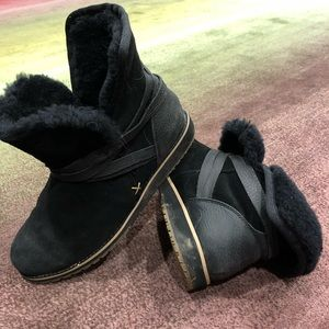 Emu winter shearling boots