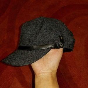 Simple detail black hat