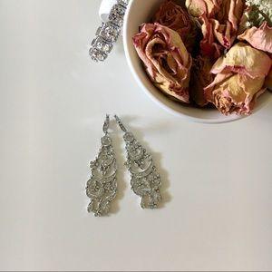 Jewelry - Costume chandelier earrings
