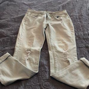White washed Boston Proper tattered jeans.