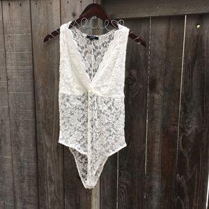 AMBIANCE// White lace bodysuit