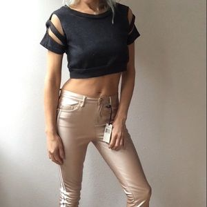 Fremont charcoal gray sliced sporty crop t top s