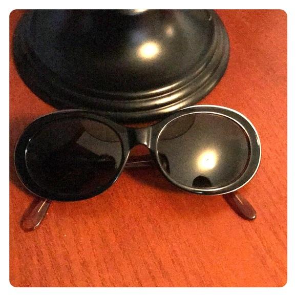 bf5733a784c Giorgio Armani Accessories - Vintage Giorgio Armani Sunglasses