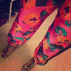 Bisou Bisou Multi-colored Tossed Flower Joggers