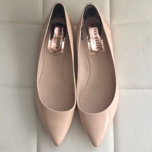 NWOT Ted Baker London Nude Pointed Flats 👑
