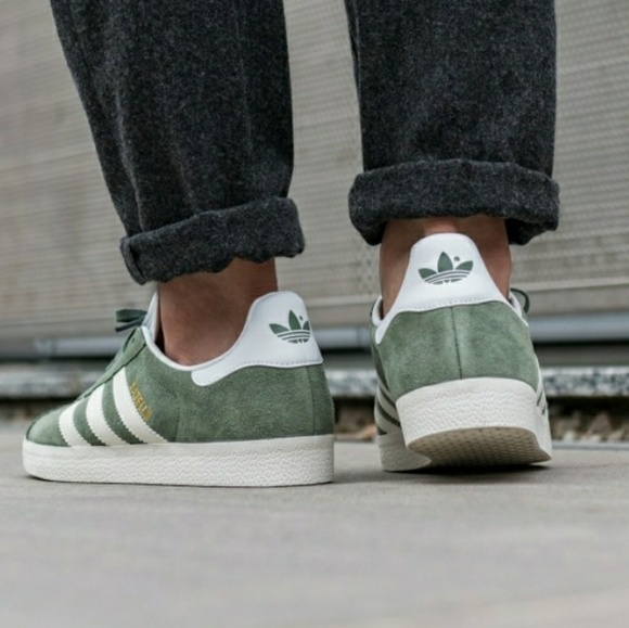new arrivals e46ae 2452b adidas Other - Adidas   MENS Green Suede Gazelle Sneakers