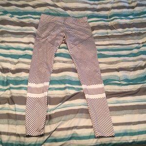 Pants - 🔴NWOT Workout leggings