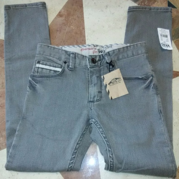 b07fb0a2bae56 VANS V76 Skinny Low Rise Tight Fit Tapered Leg