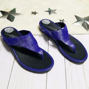 FitFlop metallic blue leather flipflops thong 38