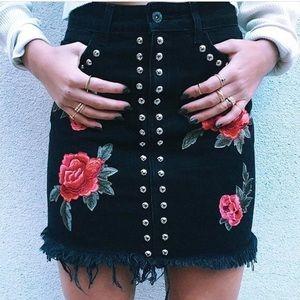 Carmar Black Rose skirt- NEVER WORN