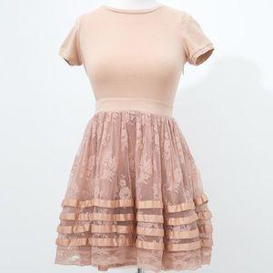 VINTAGE blush pink lace dress