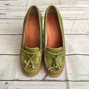 Swedish Hasbeens Tassel Loafer Heels Green Size 6