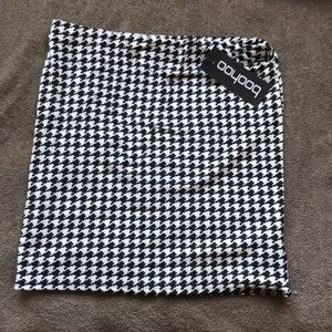 Boohoo Houndstooth skirt