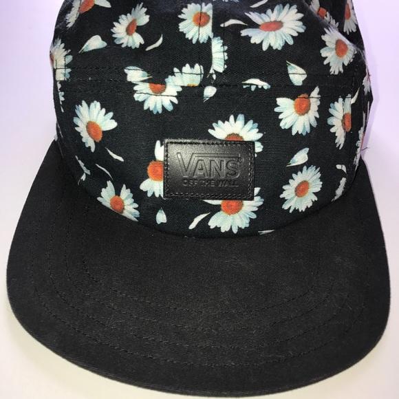 Vans Flower Hat. M 5a248e7a5a49d06a6a09cfd5 067176381eb