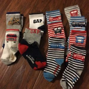 Bundle of 12 Gap Brand socks, size 12-24 months