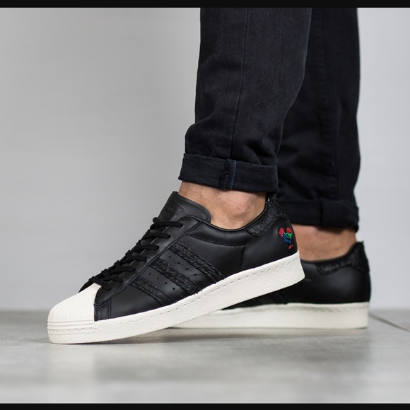 cheap for discount eb351 2fa23 Adidas SuperStar 80 s CNY
