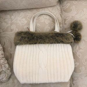 Handbags - 💵 NEED GONE furry knit bag