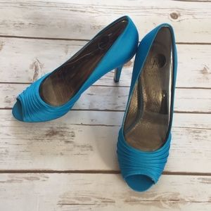 Adrianna Pappell Blue Farrel Peep Toe Pumps