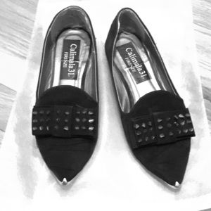 Shoes - Italian Pointed toe flat with bow and studs