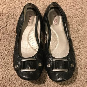 Me Too Black leather flats size 8.5