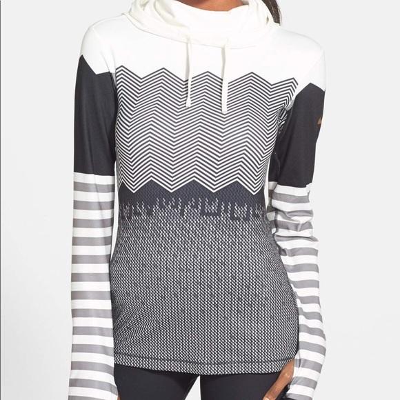 307a45b69562b Nike Pro Hyperwarm Engineered Print Hoodie, Medium.  M_5a24b0bb13302a8df80a88eb