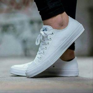 Converse Chuck II White Low Top w/ Nike Lunarlon