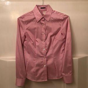 Beautiful J. Mclaughlin button down top blouse
