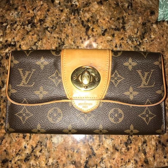 f3ccd6e86951 Louis Vuitton Handbags - 100% Authentic Louis Vuitton Boetie Wallet Clutch